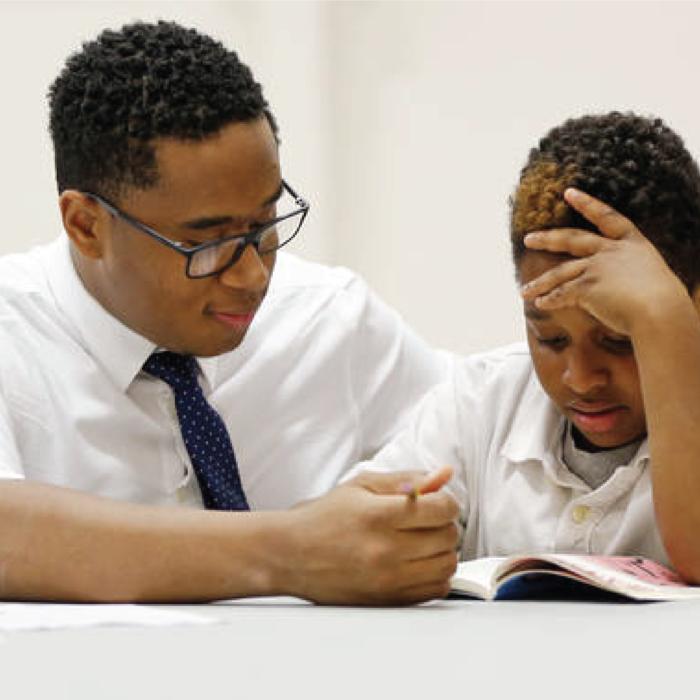 Hay que ser más tutor con las nuevas generaciones