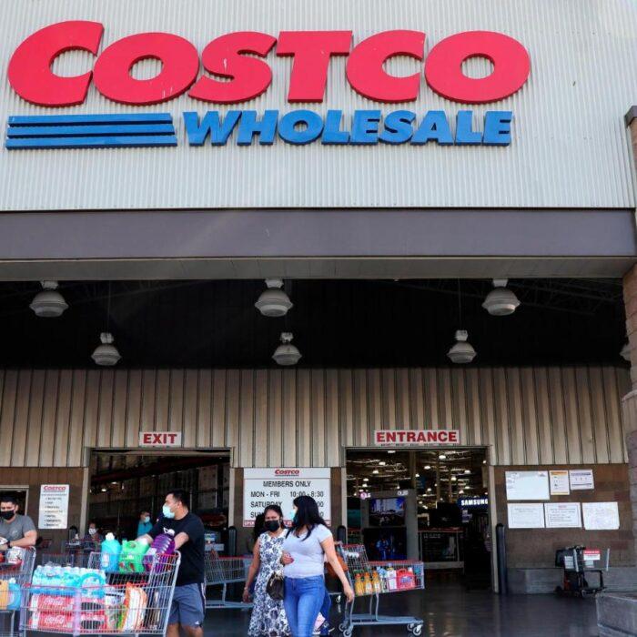 Costco aumenta su salario mínimo por encima de Amazon, Target, Walmart