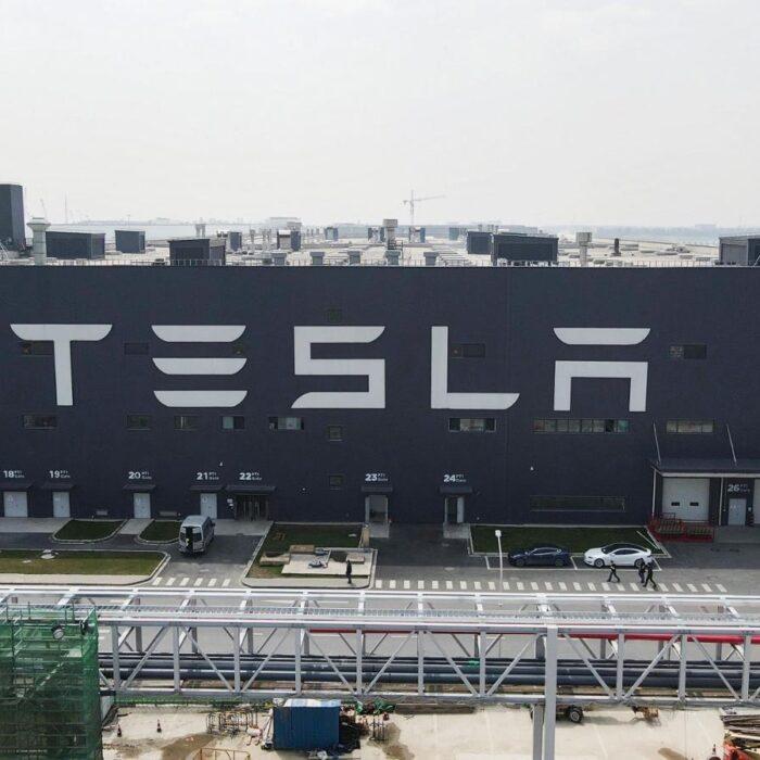 Tesla promete a China mantener dentro de sus fronteras la información recopilada